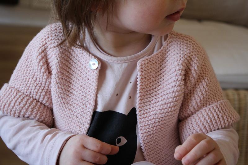 modèle tricot veste fille 4 ans